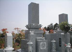 高槻市営墓地 和墓(黒龍石)